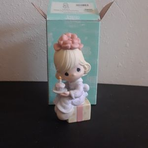 "Precious Moments "" Wishing You The Sweetest Birthday "" Figurine for Sale in Tampa, FL"