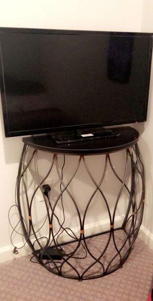 32 inch LED TV for Sale in Ashburn, VA