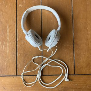 White Sony Studio Wired Headphones MDRZ110 - Some Flaking on Muffs for Sale in Mesa, AZ