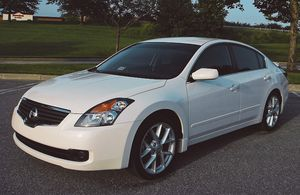 Keyless entry 2007 Nissan Altima Good tires for Sale in Fort Worth, TX