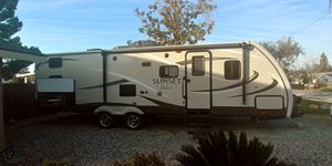2017 Sunset Trails 29ft Trailer for Sale in Fresno, CA