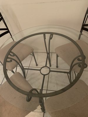 Kitchen table with 4 chairs for Sale in Winter Haven, FL