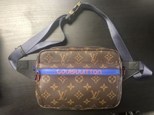 Louis Vuitton bumbag fanny pack for Sale in Falls Church, VA