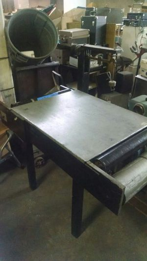 Craftsman table with rollers for Sale in Knoxville, TN