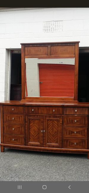 QUALITY SOLID WOOD BIG DRESSER 10 DRAWERS DRAWERS SLIDING SMOOTHLY EXCELLENT CONDITION for Sale in Fairfax, VA