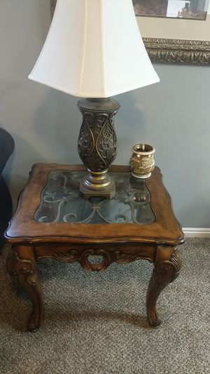 Livingroom Table & End Desk for Sale in Syracuse, UT
