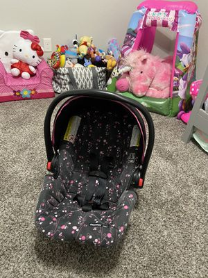 Car Seat and Stroller Set for Sale in Mabelvale, AR