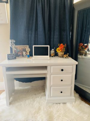 Beautiful vanity//desk❌NO DELIVERY ❌ for Sale in Huntington Park, CA