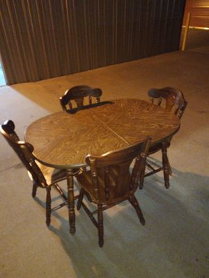 Dining room Table and chairs for Sale in Wichita, KS