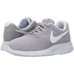 NIKE Tanjun shoes (unisex) for Sale in Buffalo Grove, IL
