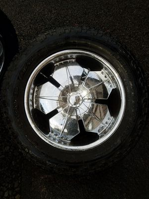 305/55/R20 rims and toyo tires. for Sale in Washougal, WA