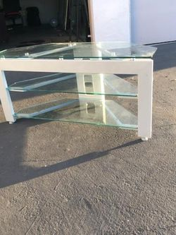 TV Stand/ Table for Sale in Garden Grove,  CA