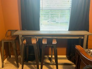 """Torjin counter height dining table & x4 high bar chairs. 71""""x12""""x35"""""""" for Sale in Franklin, TN"""
