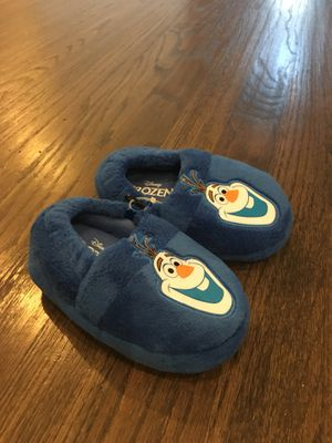 Olaf slippers. NEW. Size 5/6 for Sale in Carrollton, TX