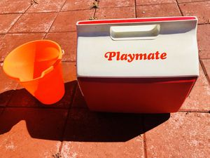 Playmate Cooler and Bucket Ice Etc $15 Or Best Offer for Sale in Moreno Valley, CA