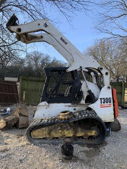 T300 bobcat for Sale in Richland Hills,  TX
