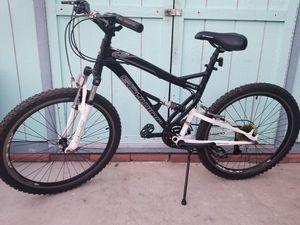 Schwinn mountain bike for Sale in Monterey Park, CA