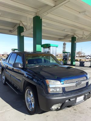 Chevy avalanche for Sale in Lancaster, CA