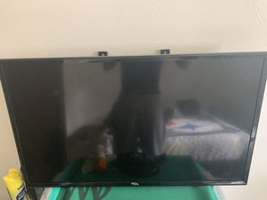 32 Inch TCL Roku Smart Tv for Sale in Homestead, PA