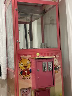 Fully Functioning Claw Machine for Sale in Los Angeles,  CA
