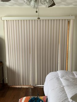 Vertical Blinds for Sale in Dunlap,  IL