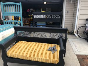 Queen bed with mattress for Sale in Santee, CA