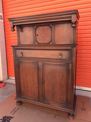 Antique armoire for Sale in Los Gatos, CA