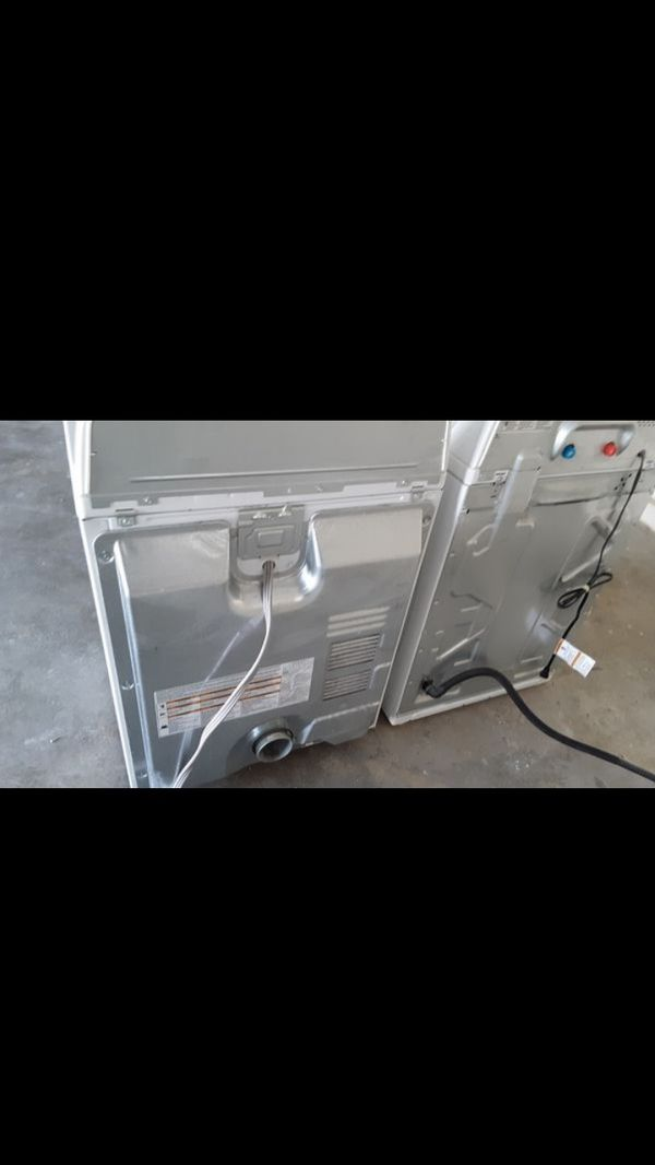 Roper washer and dryer (like new)