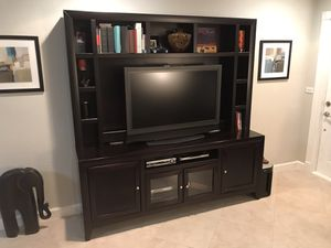 Espresso Wood Entertainment Center for Sale in Fort Lauderdale, FL