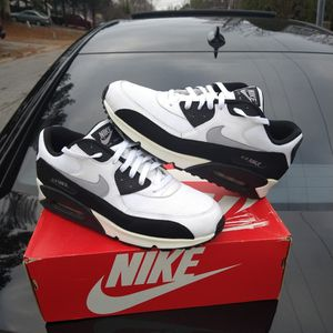 $120 local pick up Size 12 only. Nike Air Max 90 Raiders for Sale in Norcross, GA