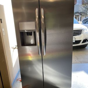 Refrigerator Frigidaire for Sale in Vancouver, WA