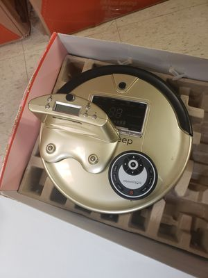 ROBOTIC VACUUM for Sale in Warren, MI