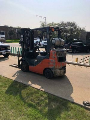 toyota 2012 forklift 5000lb for Sale in Chicago, IL