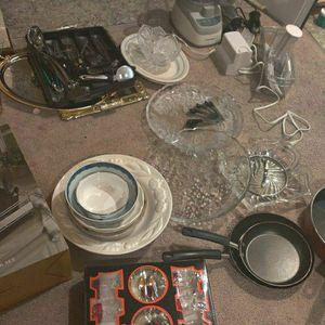 Kitchen Stuff- Need Gone Asap for Sale in Lynnwood, WA