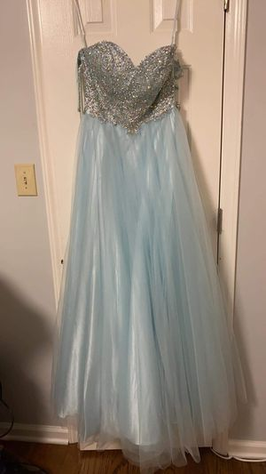 Quinceañera/ prom / Bride maids dress / Davis bridal dress for Sale in Zebulon, NC
