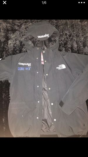 Supreme X North Face Expedition Jacket •M for Sale for sale  Perth Amboy, NJ