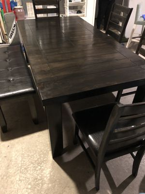 Dinning table for 6 for Sale in Escondido, CA