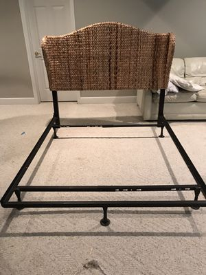 Full size bed frame and head board for Sale in Macon, GA