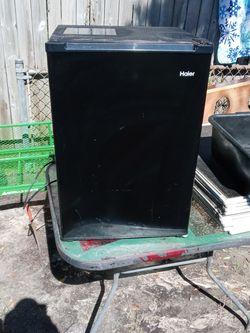 Haier Mini Fridge for Sale in Holiday,  FL