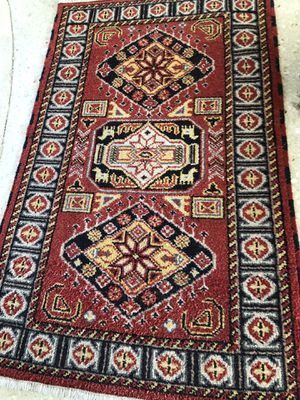 3'x5' wool oriental small rug. Primarily dark red. for Sale in Beverly Hills, CA