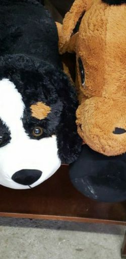 2 Large Plush Stuffed Animals for Sale in Ridgefield,  WA