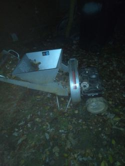 Craftsman Woodchipper for Sale in Saint Charles,  MO