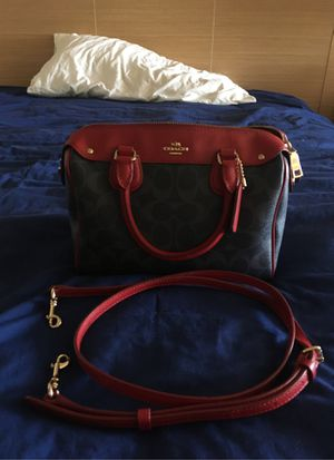 coach purse for Sale in South San Francisco, CA