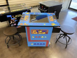 Arcade cocktail with 412 games in 1 machine for Sale in Westminster, CA
