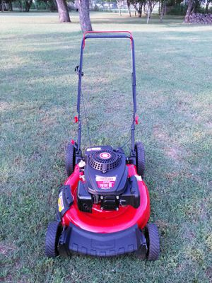 Almost in brand new condition Troy-Bilt push lawn mower works absolutely great guaranteed to turn on on first pull for Sale in San Antonio, TX