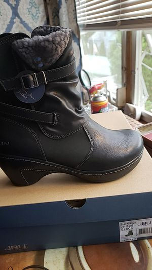 Jbu boots new with tags size 9 for Sale in Peabody, MA