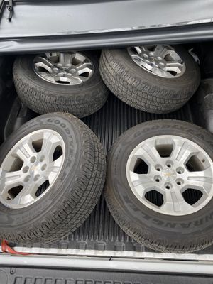2018 Z71 Silverado wheels and tires for Sale in St. Cloud, FL