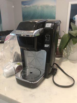 Kuerig single cup coffee maker LIKE NEW for Sale in Stuart, FL
