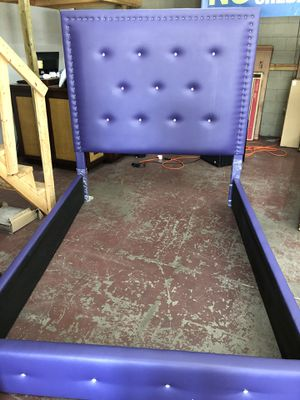 Queen bed for Sale in Orlando, FL