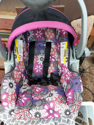 Car seat and stroller combo for Sale in Tijeras, NM
